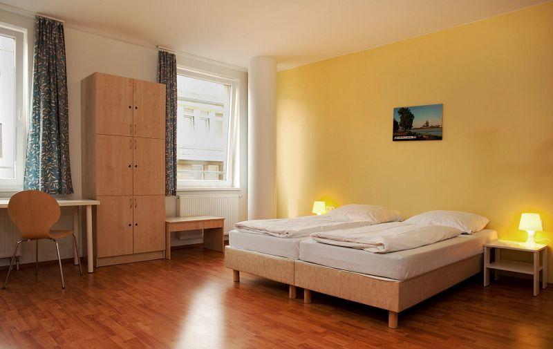 a o hostel und hotel k ln neumarkt f r klassenfahrten und gruppen. Black Bedroom Furniture Sets. Home Design Ideas